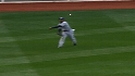Crawford throws out Youkilis