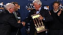 Giants receive NL trophy