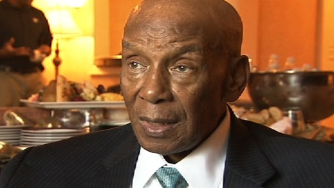 Negro Leagues Museum fondly remembers Mr. Cub