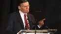Selig speaks at Beacon Awards