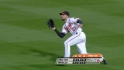 Markakis' tough grab