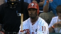 Rollins re-signs with Phillies