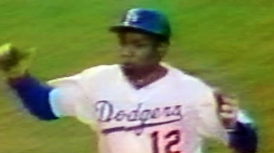 Dodgers of '77 recall high-five-fueled run to Series