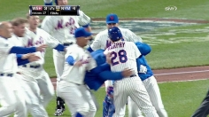 Murphy hits a walk off single