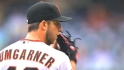 Bumgarner signs extension