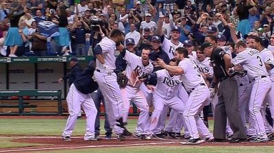 Mets invite first baseman Allen to spring camp