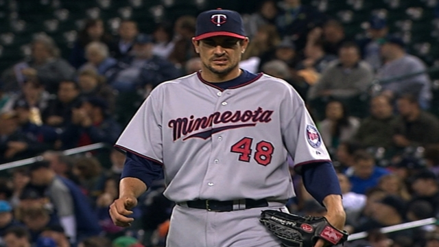 Citing injuries, Pavano announces retirement