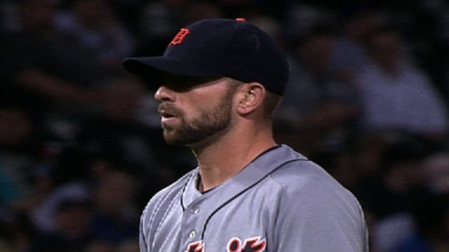 Reliever Below scooped up by Miami