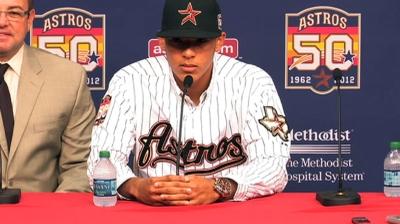 Astros officially sign No. 1 pick Correa