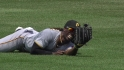 McCutchen&#039;s diving grab