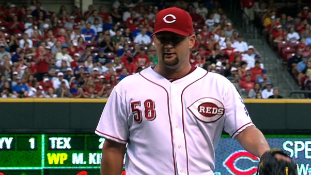 Orioles claim Redmond off waivers from Reds