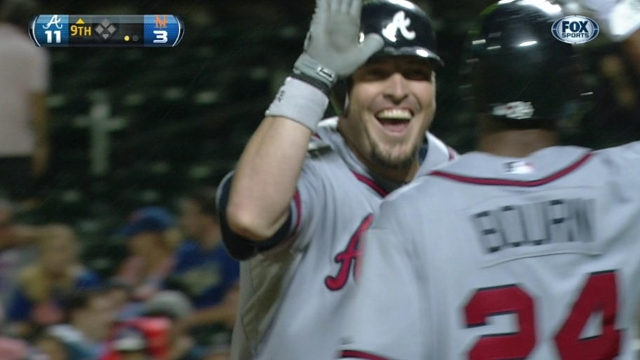 Hinske back at Turner Field in familiar mentor role