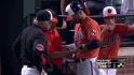 Markakis leaves with injury