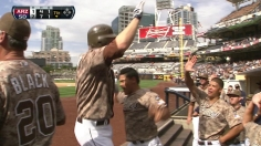 Headley slams D-backs for power-driven Padres