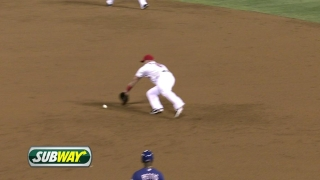 Pujols with a diving grab