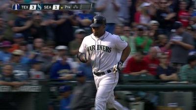 O's acquire outfielder Thames from Mariners