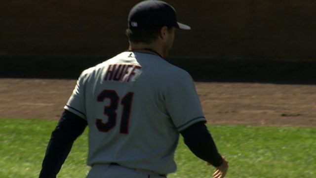 Yankees claim pitcher Huff off waivers from Tribe
