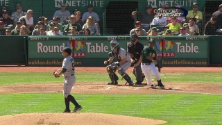Cespedes drives a run with a triple