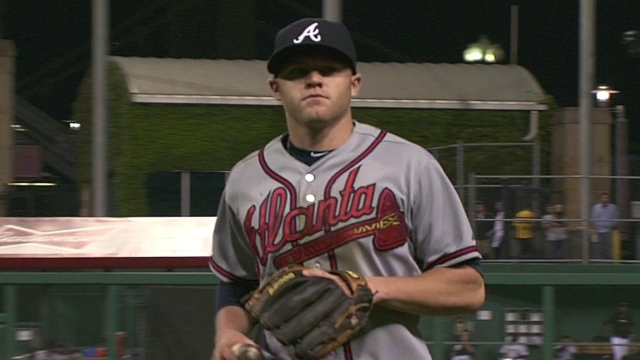 Pastornicky glad to be back with Braves