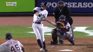 Ichiro hits a two-run homer