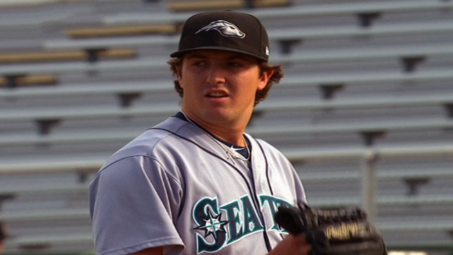 Mariners seasoning bullpen prospect Smith