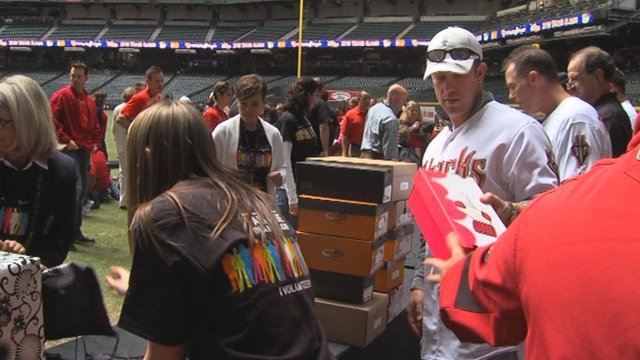 D-backs award season tickets to fans in need