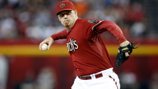 D-backs extend closer Putz through 2014