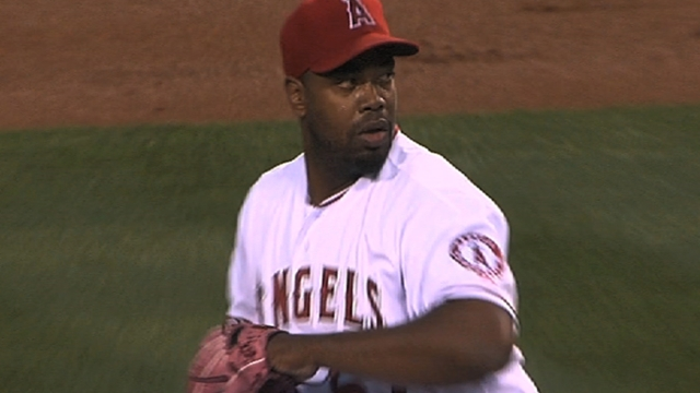 Angels, reliever Williams agree to $2 million deal