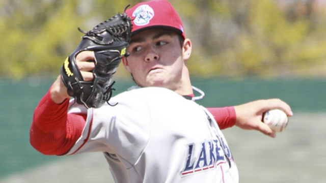 Two Phils pitchers among Top 100 Prospects