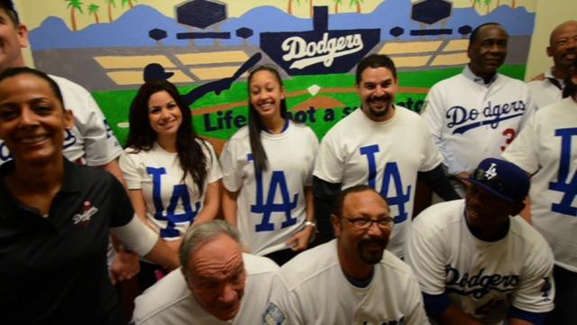 Dodgers alums kick off caravan painting murals