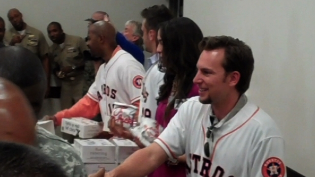 Astros express gratitude to military at luncheon