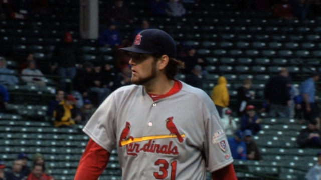 Lynn falters, Cardinals' bats quiet vs. Twins