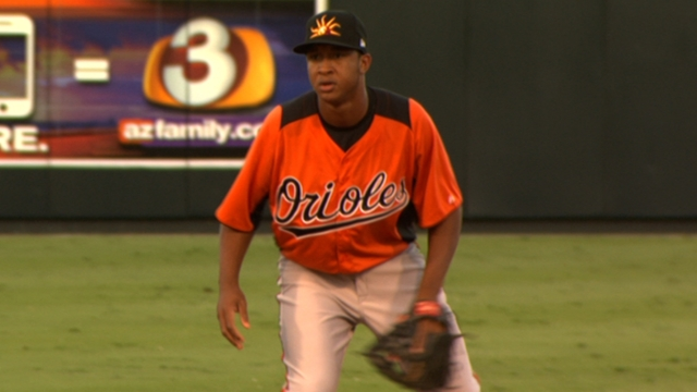 Schoop, Pearce home runs pave win for O's