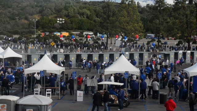 FanFest builds buzz for both Dodgers players and fans