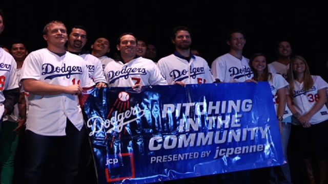 Dodgers alumni set for community caravan