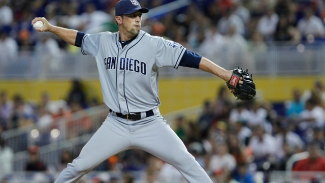 Gregerson, Padres agree to one-year deal