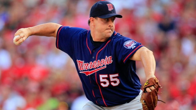 Indians add Capps to bullpen competition