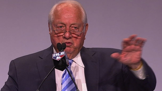 According to Lasorda's 'Gospel,' pennant won in spring