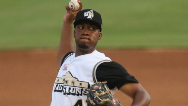 Sampson hopes to stay locked in at Padres camp