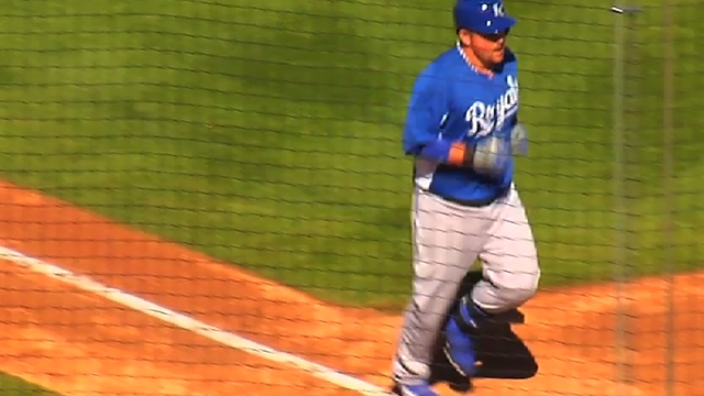 Davis leads impressive outing for KC pitchers