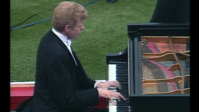 Cliburn's national anthem rendition still resonates