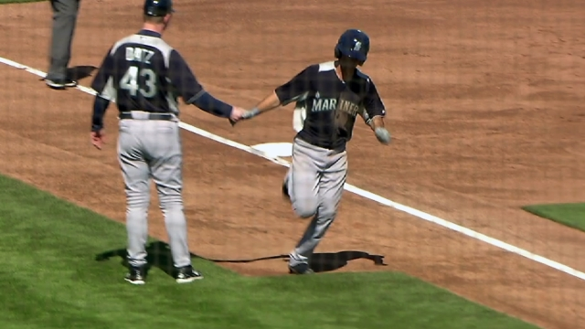 Pair of homers boosts Mariners vs. Giants