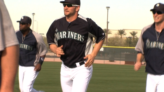 Presence of new veterans bring buzz to Mariners
