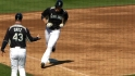 Saunders&#039; two-run shot