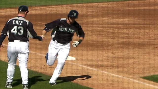 Four Mariners go deep in win against Rangers