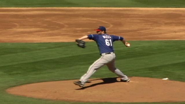 Moreland continues hot hitting, pitching struggles