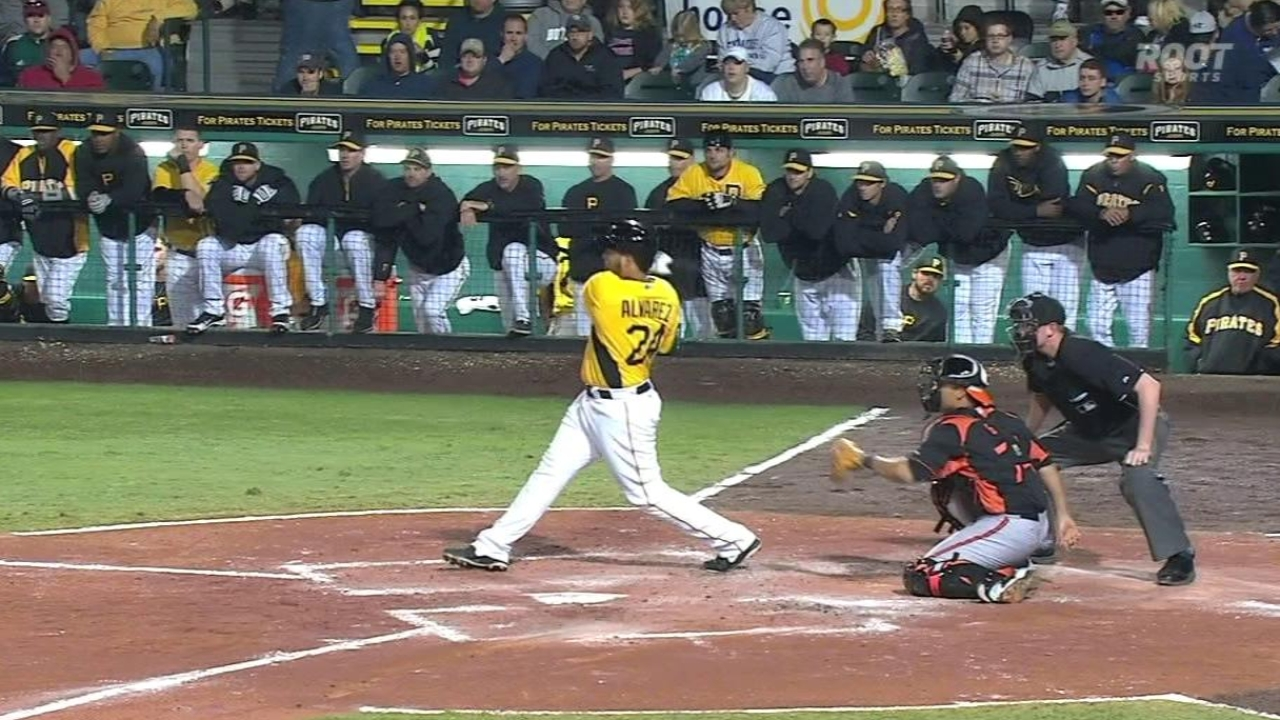Marte, Alvarez contribute on quiet night for Bucs