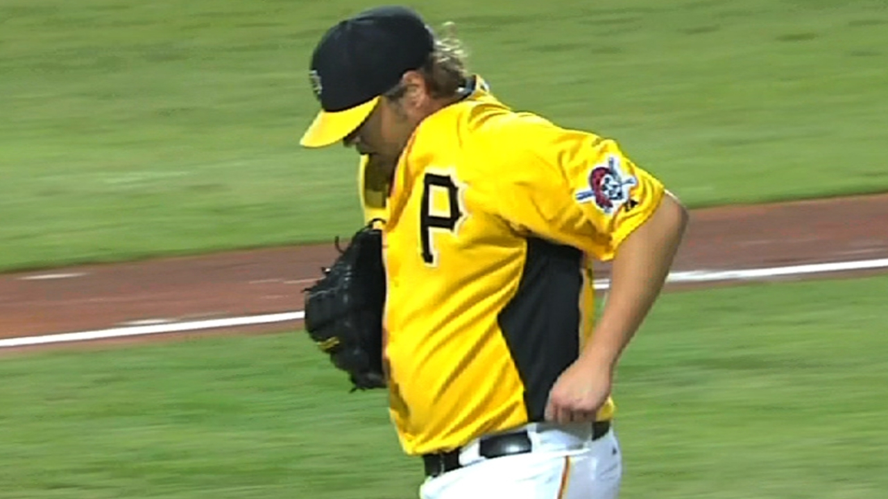 Pirates call up Harrison, Zagurski