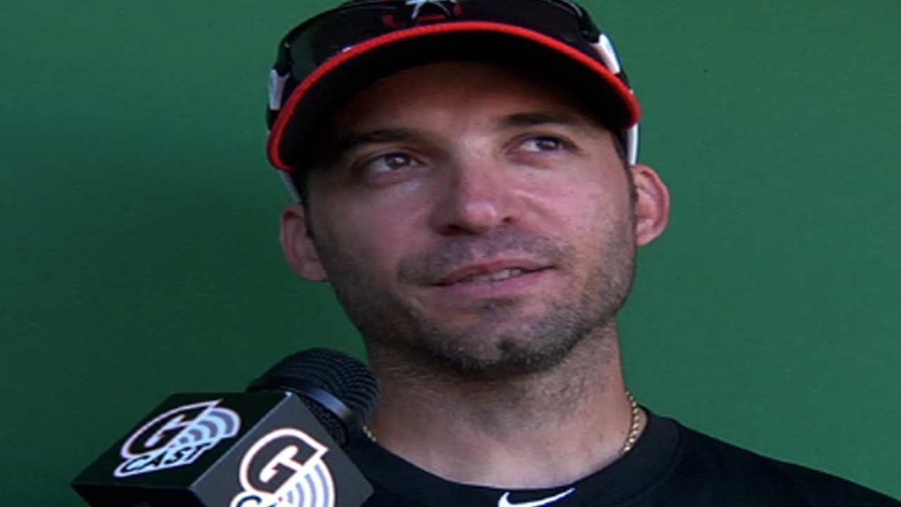 Scutaro working to find hitting stroke
