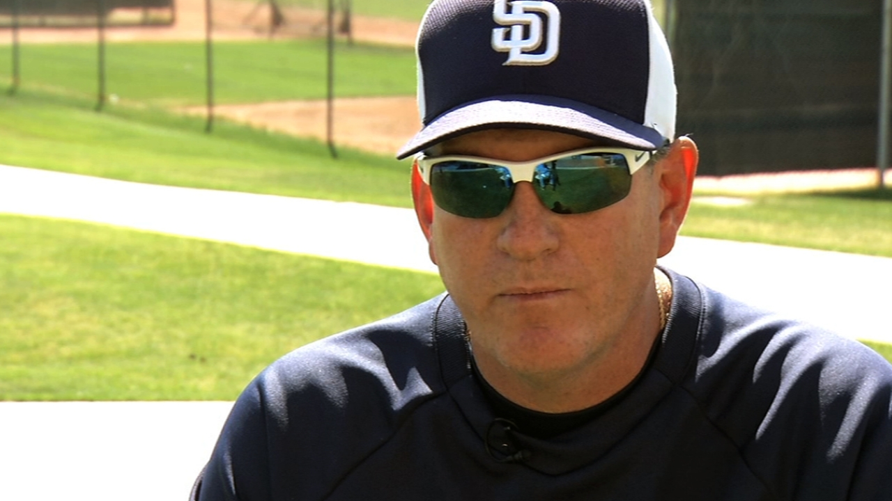 Padres' Ross shows promise against former team